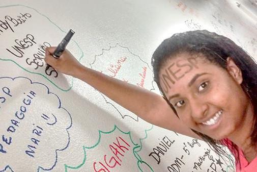 Ela cursou o Extensivo Noturno e foi aprovada no curso de Serviço Social na UNESP